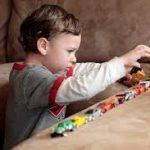 رفتارهای خود تحریکی و تکراری در کودکان اوتیسم